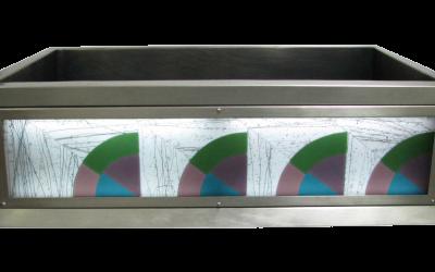 Deco Fan Luminescent Apron Sink