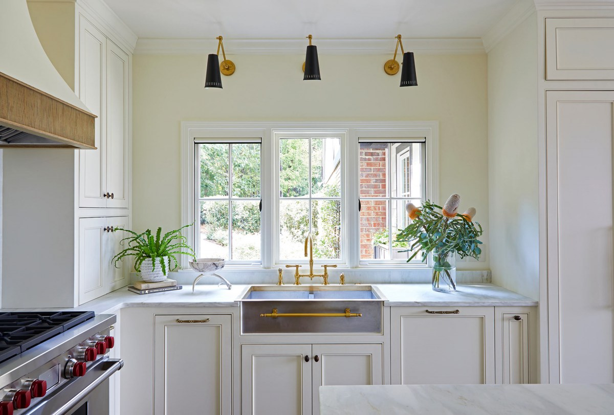 Elegance and refinement combine in this beautiful Homewood AL kitchen.